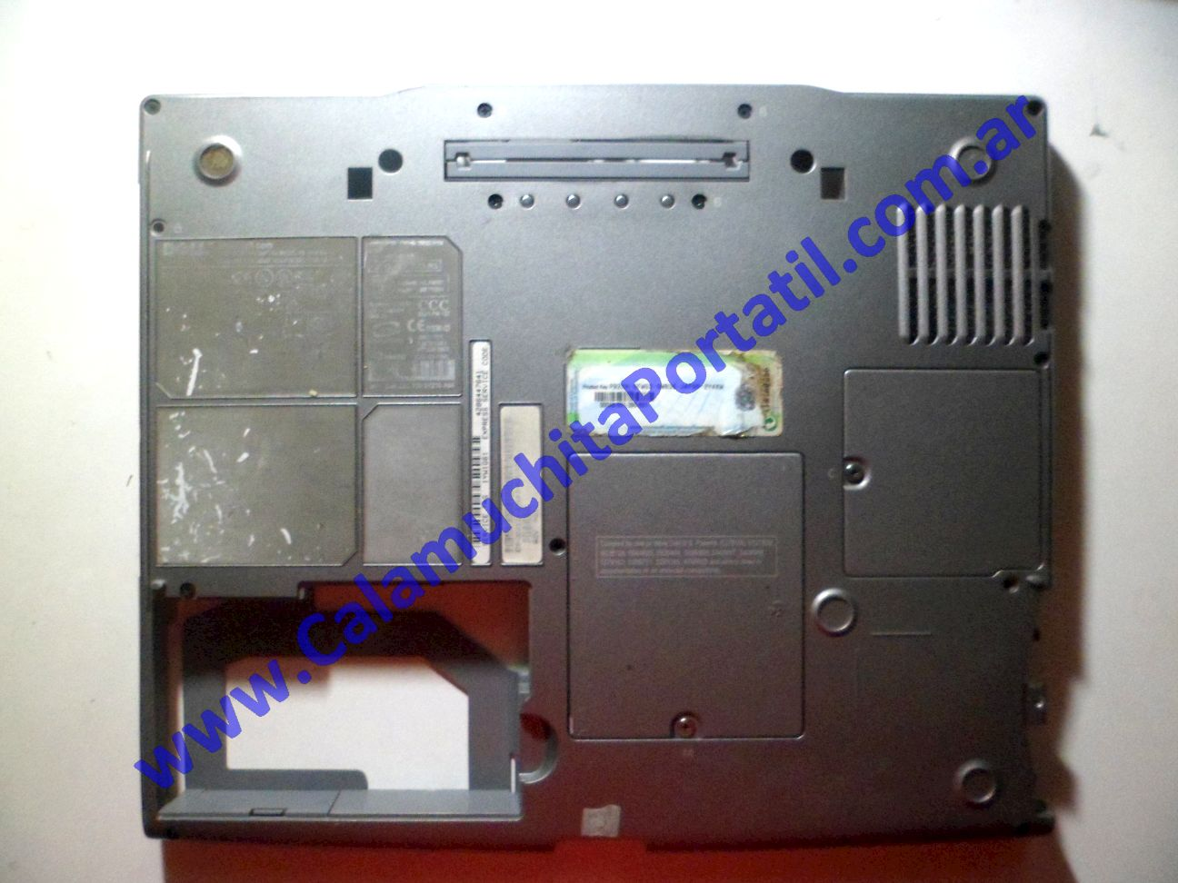 0043CAD Carcasa Base Dell Latitude D600