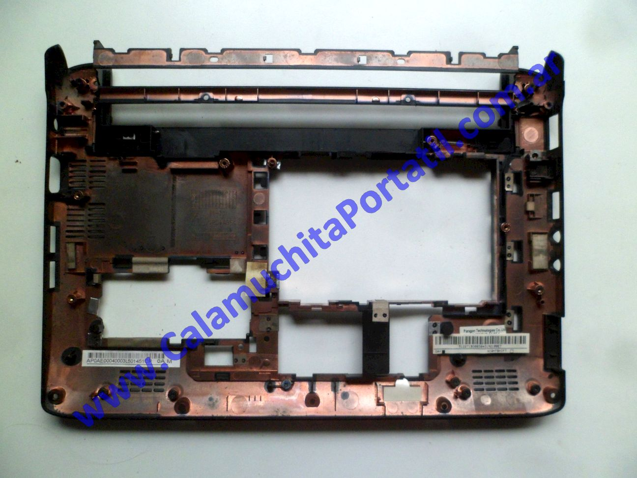 0557CAD Carcasa Base Acer Aspire One 532H-2268 / NAV50